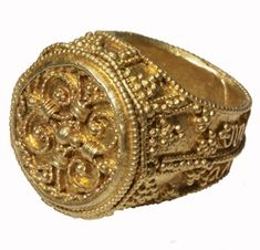 Gold Ring © Trustees of the British Museum