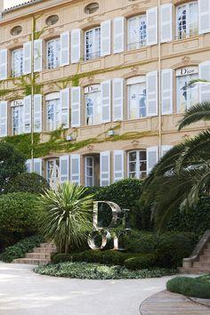 Les 5 ans de la boutique éphémère Dior à Saint-Tropez   Vogue