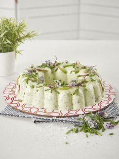 Tupperware -Cucumber and Cottage Cheese Mould Easy Salad Recipes, Easy Salads, Cheese Mold, Fridge Cake, South African Recipes, Edible Gifts, Christmas Cooking, Cottage Cheese, Tupperware