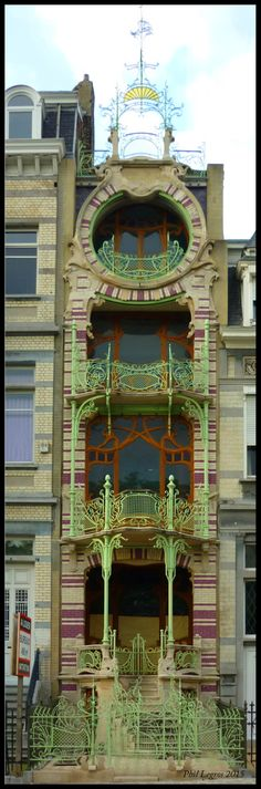 Architecture in Brussels Gustave Strauven, Maison de Saint-Cyr, 1900-03  11, Square Ambiorix, 1000 Bruxelles