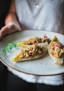 Barchette di indivia belga Risotto, Tacos, Ethnic Recipes, Food, Diet, Meals, Yemek, Eten
