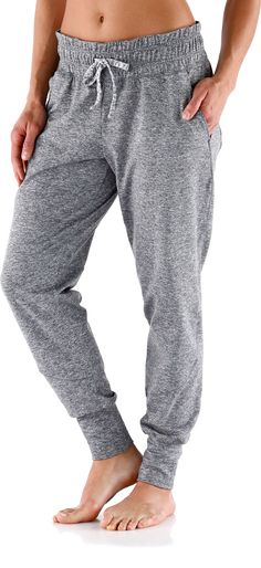 REI Tech Pants - Amazing comfort after a long run! Sun Protective Clothing, Casual Outfits, Cute Outfits, Dance Pants, Vogue, Pantsuits For Women, Pants For Women, Clothes For Women, Running Pants