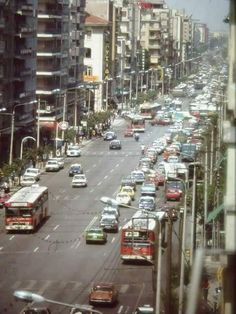 Θεσσαλονίκη εγνατια του 80... Greece History, Thessaloniki, Macedonia, Destruction, Athens, Places To Visit, Street View, Memories, City