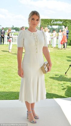 Radiant: Lady Kitty Spencer looked angelic in white choosing a chic white midi-dress with a svelte silhouette front buttoned fastening Star Fancy Dress, Kitty Spencer, Color Combinations For Clothes, Estilo Real, Lady Kitty, Plain Dress, White Midi Dress, Metallic Dress, Royal Fashion