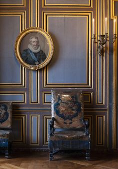 Portrait and wrapped chair in Chateau Fontainbleau.