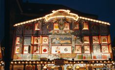Enjoy the huge advent calendar in Goslar. Have an atmospheric Christmas shopping experience, with a fantastic range of gifts and live entertainment in the magnificent setting of Goslar.