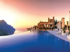Top 10 Marvelous Pools in the World