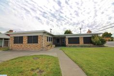 Tri-Cities: Pasco Home for Sale - 1142 W Henry Street