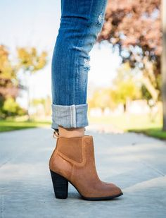 I don't have ankle boots.not totally sure how to wear them. 20 Ways to Wear Boots - we love all of these cute boot fashion combinations to make great Fall outfits complete Moda Fashion, Fashion Models, Womens Fashion, Fashion Tips, Fashion Trends, Trendy Fashion, Trendy Clothing, Jeans Fashion, Celebrities Fashion