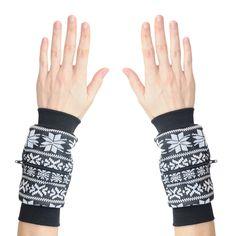 Wrist Zips   Wrist Wallets   Fair Isle Snowflakes