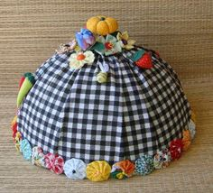 Little Bit, Kitchen Towels, Crafts To Do, Mosaic Art, Sewing Hacks, Fabric Flowers, Bridal Dresses, Crochet Hats, Diy Projects