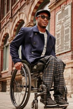 e1689da4697 IZ Collection Is: Stylish Clothing For People Who Use Wheelchairs  Rolstoelen, Stijlvolle Outfits,