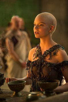 People think being bald is horrible, but this lady is absolutely beautiful even . People think bei Female Character Inspiration, Story Inspiration, Writing Inspiration, Writing Characters, Fantasy Characters, Female Characters, Character Bank, Character Concept, Minor Character