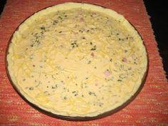 Helkan Keittiössä: Gluteeniton Kielenvievä juusto-kinkkupiirakka Dairy, Cheese, Food, Mascarpone, Eten, Meals, Diet