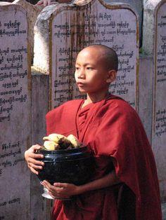 He knows, Amarapura, Myanmar Copyright: Erdogan Aydin