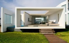 House in Las Arenas by Javier Artadi - almost looks like a school project but I'd still like to be there