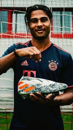 Serge Gnabry, Munich, Football, Baseball Cards, Hs Sports, Bavaria, Soccer, Futbol, American Football