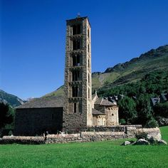 The narrow Vall de Boí is situated in the high Pyrénées, in the Alta Ribagorça region and is surrounded by steep mountains. Each village in the valley contains a Romanesque church, and is surrounded by a pattern of enclosed fields. There are extensive seasonally-used grazing lands on the higher slopes.