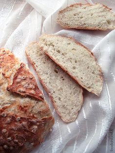 This simple bread with active dry yeast is soft and tasty thanks to the addition of cooked barley that gives it a delicate aftertaste similar to honey. Cooking Pork Roast, Cooking Tofu, Cooking Bread, Cooking Bacon, Cooking Barley, Cooking Games, Barley Bread Recipe, How To Cook Barley, Vegetarian Comfort Food