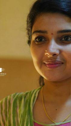 Beautiful Girl Quotes, Beautiful Girl In India, Beautiful Women, Indian Natural Beauty, Indian Beauty Saree, Indian Actress Hot Pics, Most Beautiful Indian Actress, Cute Beauty, Beauty Full Girl
