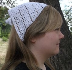 Knitting Pattern Triangle Head Scarf : 1000+ images about baticuri on Pinterest Head scarfs, Bandanas and Crochet ...