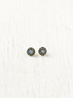 Crystal Flower Studs. http://www.freepeople.com/whats-new/crystal-flower-studs/