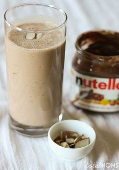 Smoothie Sundays: Banana Nutella Smoothie - Total Noms