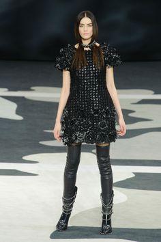 Défile Chanel Prêt-à-porter Automne-hiver 2013-2014 - Look 13