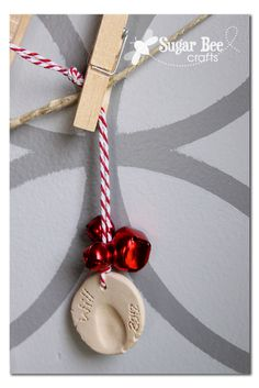 this would be a fun and easy last-minute holiday craft: Thumbprint Ornaments