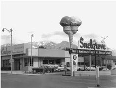 1960 - Snelgroves in Salt Lake City was a favorite gathering place for high schoolers. Old Pictures, Old Photos, Vintage Photos, Vintage Stuff, Unique Restaurants, Salt Lake City Utah, Great Memories, Childhood Memories, Old Signs