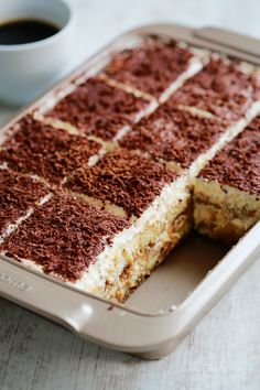 churro cheesecake The crunchy cinnamon of churros combined with the creamy tanginess of cheesecake. Churro cheesecake bars are sure to become a favorite treat! An easy and delectable dessert recipe! Easy Tiramisu Recipe, Tiramisu Dessert, Classic Tiramisu Recipe, No Bake Desserts, Easy Desserts, Cake Recipes, Dessert Recipes, Chocolate Shavings, Italian Desserts