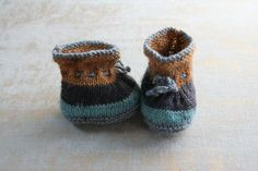 Unique Boho baby booties 0-3 months Baby Booties, Baby Shoes, Knitted Baby Clothes, Yarn Sizes, Wool Socks, Boho Baby, Baby Month By Month, 3 Months, Baby Knitting