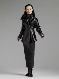 Freedom for Fashion™: Tokyo Sleek Her-Outfit - Tonner Doll Company