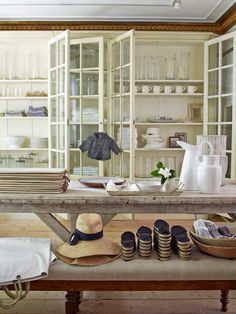 """SHOP """"Bloom in Sag Harbor has a perfectly edited collection of dinnerware, French porcelain, personal accessories, and art. They also make my favorite outdoor dining table. Bamboo Furniture, Antique Furniture, Furniture Logo, Diy Furniture, Outdoor Furniture, Estilo Cottage, Mode Country, Armoire, Sag Harbor"""