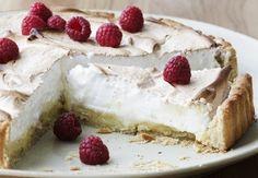 Lemon pie with raspberry Danish Dessert, Danish Food, Sweet Pie, Sweet Tarts, Cake Recipes, Dessert Recipes, Pie Dessert, Cookie Desserts, Let Them Eat Cake