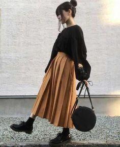 Skirt Outfits Korean Winter 64 Ideas For 2019 - Yersq Sites Japanese Fashion, Asian Fashion, Look Fashion, Girl Fashion, Womens Fashion, Fashion 2016, Grunge Fashion, Muslim Fashion, Modest Fashion