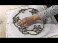 Mandala vazada em Paper Clay - YouTube