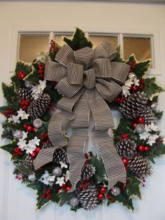 Black White Christmas wreath with a by ThePerfectGarden on Etsy All Things Christmas, Christmas Time, Christmas Holidays, Etsy Christmas, Christmas Lights, Art Floral Noel, Holiday Wreaths, Holiday Decor, Winter Wreaths