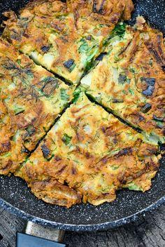 VeganSandra - tasty, cheap and easy vegan recipes by Sandra Vungi: Chickpea and onion omelette