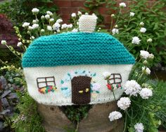 VINTAGE Handmade Thatched Cottage Knitted Tea Cosy. £3.99, via Etsy.