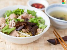 "Recipe for Singapore ""Bak Chor Mee"" aka minced meat noodles (mee kia) with stewed mushrooms and pork."