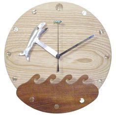 木工作品集 242 Woodcraft works portfolio 242 2012年 #木の時計 #さかなのデザイン #WoodenClock #fishdesign 針の先のさかなが波をくぐるグルグル The fishes on the end of hands roll while getting in and out the wave http://ift.tt/1Nq0R26