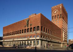 Oslo City Hall, Norway, Arnstein Arneberg, Magnus Poulsson, 1931-1950 Oslo, Capital Of Norway, Le Corbusier, San Francisco Ferry, Modern Architecture, Big Ben, Louvre, City, Building