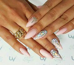 Eclair nails Poland