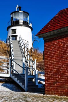 Maine Lighthouses and Beyond: Owls Head Lighthouse.  To enjoy my site on lighthouses, click on the above photo.