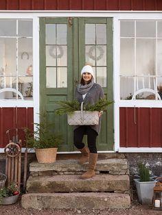I tidningen Lantliv 11/2014 har Anna och jag med ett   julreportage från Mias och Tonys fina hem i Dalsjöfors.   Det var en dag jag aldrig ...