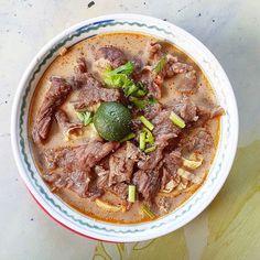 Laksa ngiu chap breakfast at Kedai Kopi Kinabalu after Gaya street market shopping. - RM8.50