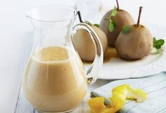A deliciously smooth and creamy custard flavoured with vanilla beans – great with any dessert! Custard Desserts, Custard Recipes, Cold Desserts, Vanilla Bean Custard Recipe, Vanilla Beans, Dessert Games, Dessert Recipes, Carnation Milk Recipes, Food To Make