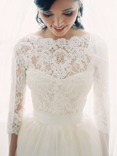 vera wang long sleeves lace wedding dresses