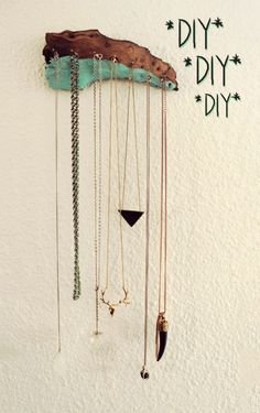 DIY Necklace / Jewelry Holder - drift wood + brass + d Diy Necklace Hooks, Diy Jewelry Holder Tree, Wood Jewelry Display, Jewelry Hanger, Necklace Display, Earring Display, Jewelry Tree, Jewelry Stand, Jewellery Storage